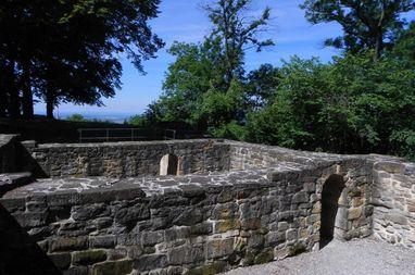 Ruinen der Burg Hohenstauffen; Foto: Saltico GmbH