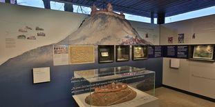 Blick in den Dokumentationsraum für staufische Geschichte am Fuß des Hohenstauffen
