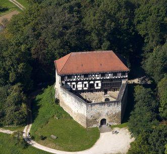 Luftaufnahme von burg Wäscherschloss; Foto: Staatliche Schlösser und Gärten Baden-Württemberg, Achim Mende