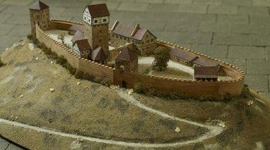 Modell der Burg Hohenstaufen im Dokumentationsraum für staufische Geschichte am Fuß des Hohenstaufen; Foto: Landesmedienzentrum Baden-Württemberg; Arnim Weischer